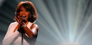 Whitney Houston-gira- holograma-cantineoqueteveonews