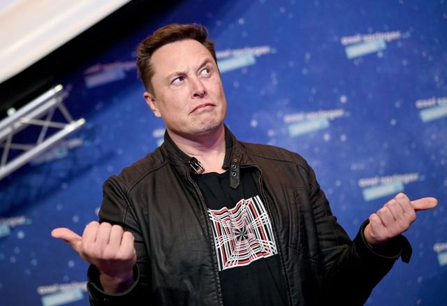 Elon Musk orden judicial para publicar sus Twitter