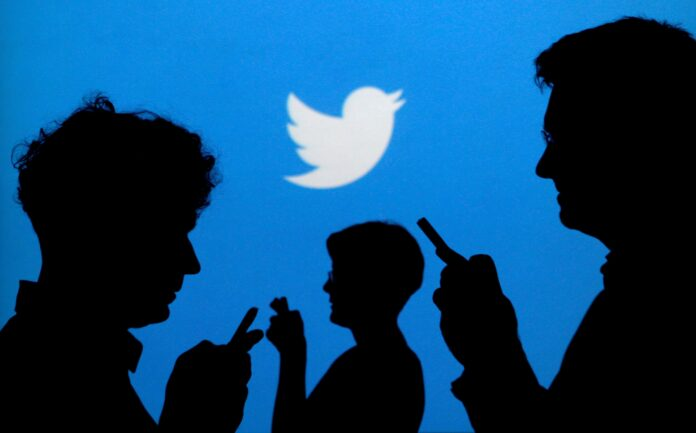los tuits engañosos o con contenido falso