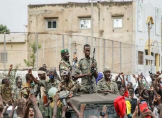 Francia suspendió hoy las operaciones militares